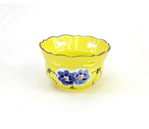黄釉透し小鉢