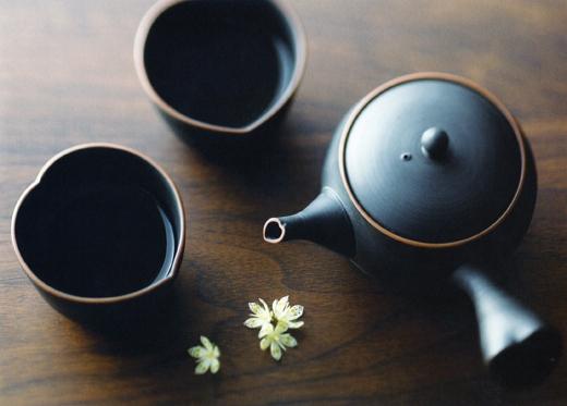 黒泥ハート型茶器