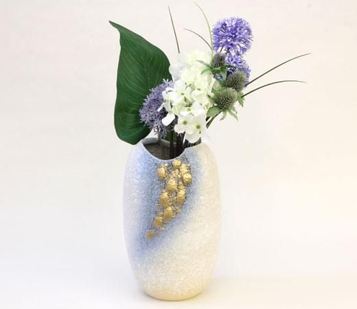 白砂金彩花瓶